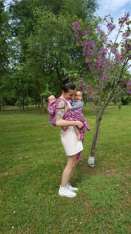Babywearing-twin-girls-mom-1