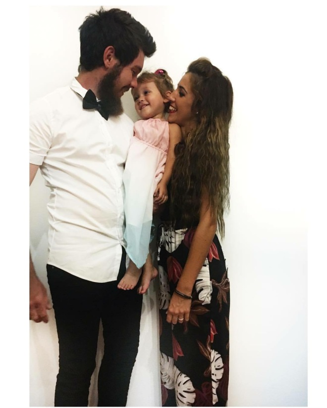 young-cute-family2